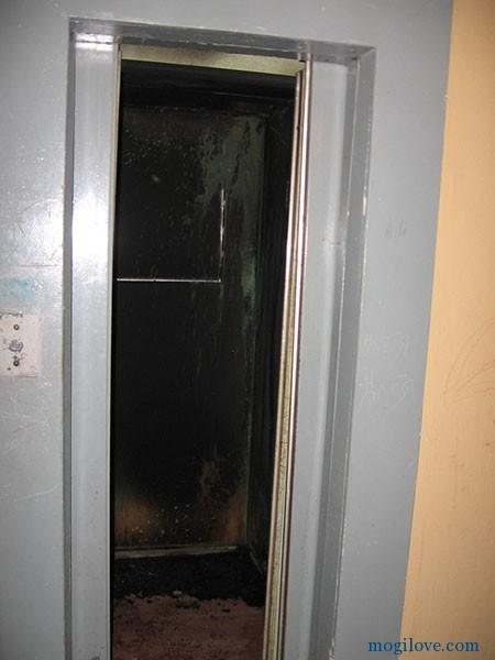 Пушкинский проспект, горел лифт