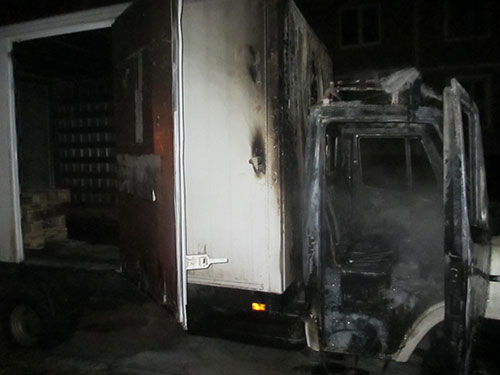 сгорел микроавтобус